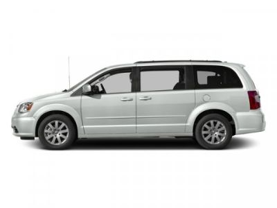 2016 Chrysler Town & Country Touring (Bright White Clearcoat)