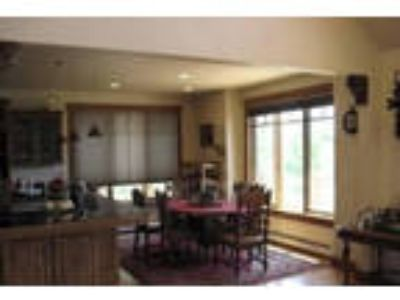 4 Spacious BR in Bozeman. Single Car Garage!