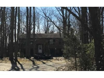 3 Bed 2.5 Bath Foreclosure Property in Vincentown, NJ 08088 - Chatsworth Rd