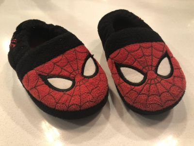 9/10 slippers
