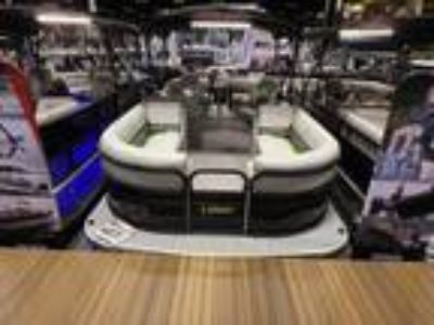 2019 Lowe Boats SS210 Walk Thru