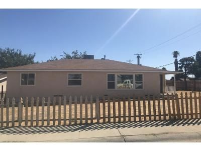 2 Bed 1.5 Bath Foreclosure Property in Taft, CA 93268 - Loma Vista Ave