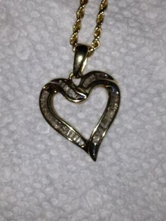 Gold Necklace with Heart Shaped DIAMOND Pendant