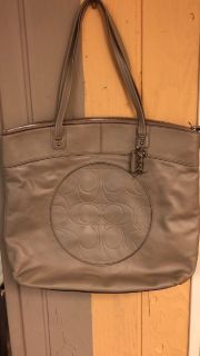 Coach [laura lth tote] new