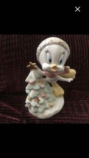 New Lenox December Tweety Bird with a Christmas Tree , fine ivory porcelain with 24k gold trim