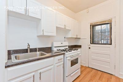 1BR unit updated, hardwood floors, heat incl. pet friendly