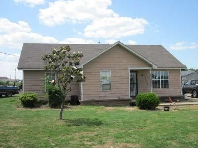 3 Bed 2 Bath Foreclosure Property in Covington, TN 38019 - Wooten St