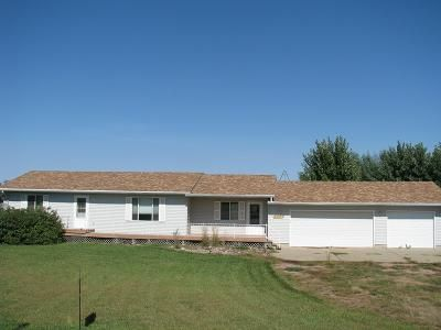 3 Bed 2 Bath Foreclosure Property in Yankton, SD 57078 - 310th St