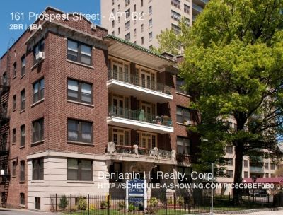 LOVELY COZY APT RNVD ALL UTILITIES INCL 1 BLOCK FROM TRAIN STATION 20MINS NYC