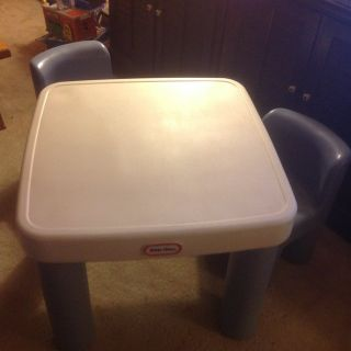 Little Tykes Table with Two Drawers and Two Chairs