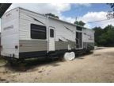 2010 Keystone RV Residence Travel Trailer in Spring Branch, TX