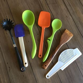 Lot of EUC and GUC kitchen tools including new acacia wood spoon and 3 Rachael Ray silicone tools selling together- PRICE FIRM