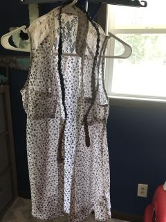 Medium longer tank with buttons and a belt