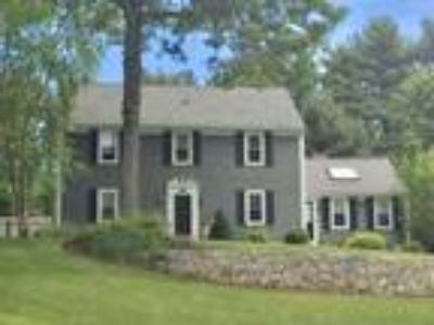 Highly desirable family neighborhood, move-in ready!