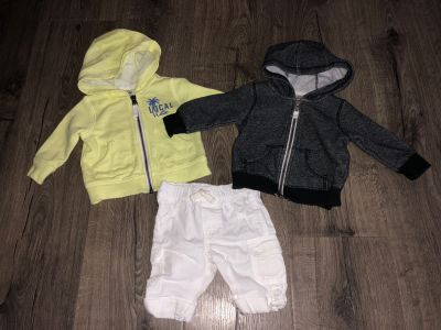 Unisex baby clothes size 3 months