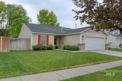 9547 W Mossywood Dr BOISE Three BR, Well appointed and updated