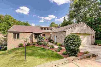 3531 S Poplar Drive Columbus, Three BR lake house on Grandview