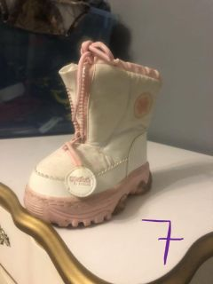 Light up snow boots size 7