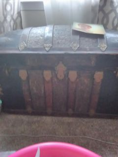 Dome top trunk. Make offer