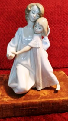 "Lladro "" Good Night Sweetheart"" Mint Condition w/ box"