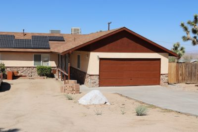 Upgraded 3 Bed 2 Bath Home in Joshua Tree