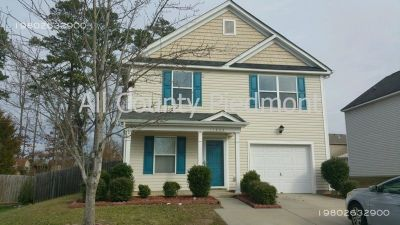 4 bedroom in Charlotte