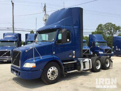 2014 Volvo VNM T/A Day Cab Truck Tractor