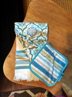 New kitchen towels and potholder