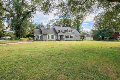 20 Green Meadow Dr Trion Four BR, Elegant, stately