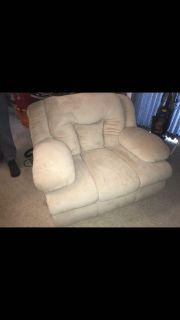 White loveseat recliner couch