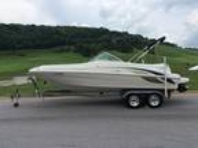 1999 Sea Ray Sundeck 210