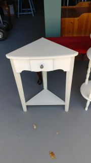 Corner Table with Drawer. 19x12x26