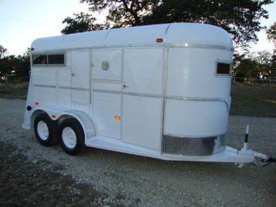 Two Horse Trailer With Dressing Room