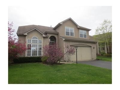 3 Bed 3 Bath Foreclosure Property in Algonquin, IL 60102 - Broadsmore Dr