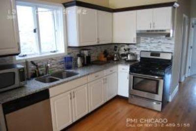GORGEOUS 2full bath new kitchen, wd, deck, 1 car parking,fp(Wicker Pk)