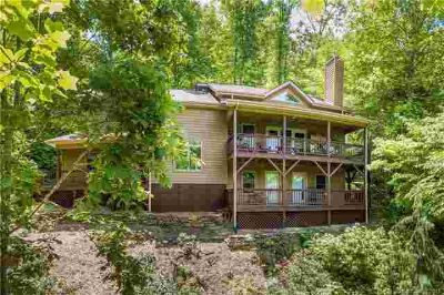 305 Henry Dingus Way Maggie Valley, Meticulously maintained