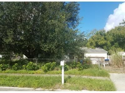 2 Bed 1.5 Bath Preforeclosure Property in Orlando, FL 32808 - Meadowbrook Ave