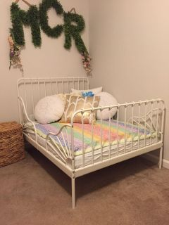 Brand New Toddler/extend to Twin bed and Mattress