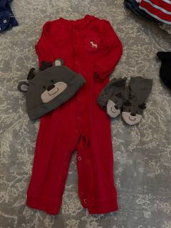 Christmas outfit/pajamas. Size: 9 months