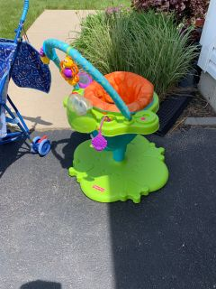 Frog bouncer baby