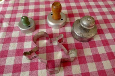 Vintage Tart, Biscuit, Donut & Cookie Cutters- TIME TO BAKE!
