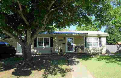 402 S Red River Henrietta Two BR, Cute, clean