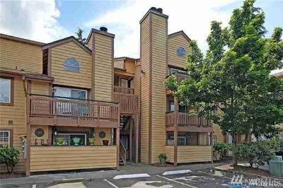 22810 30th Ave S #C304 Des Moines One BR, Fantastic Top Floor