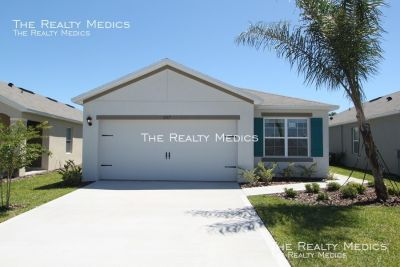 Beautiful 3/2 BRAND NEW New Smyrna Beach Home with WATER VIEW!!