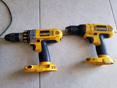 DEWALT DRILLS only 1 have the battery and charger...