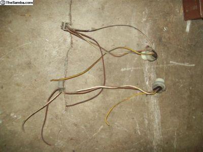 late model head light plugs ends
