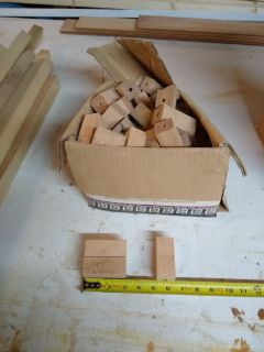1 1/4 oak craft wood blocks