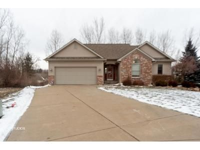 2 Bed 3 Bath Foreclosure Property in Burton, MI 48509 - Mallard Dr