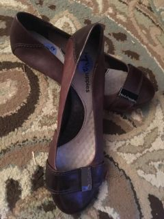 Hush Puppies Sz 7.5 like new wedge heel. Work or Casual. EUC. Just cleaning closets