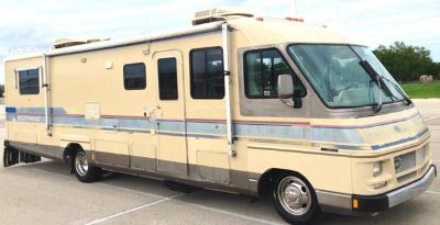 1990 Fleetwood Southwinds Motor Home - ONE OWNER - 61K Miles